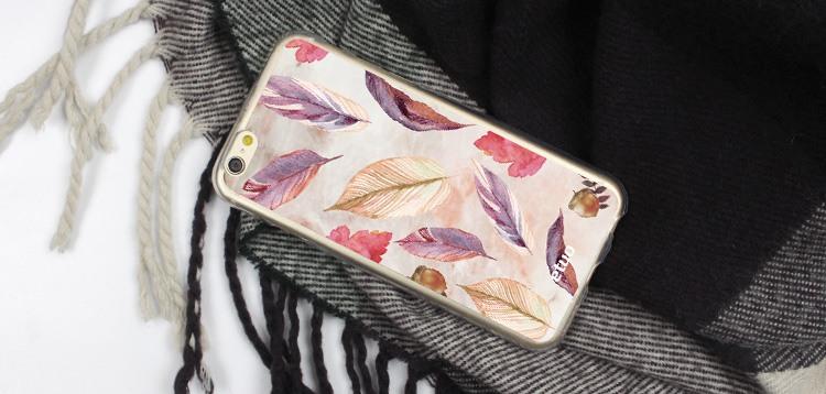 Etui jesienne z wzorem pastelowych liści